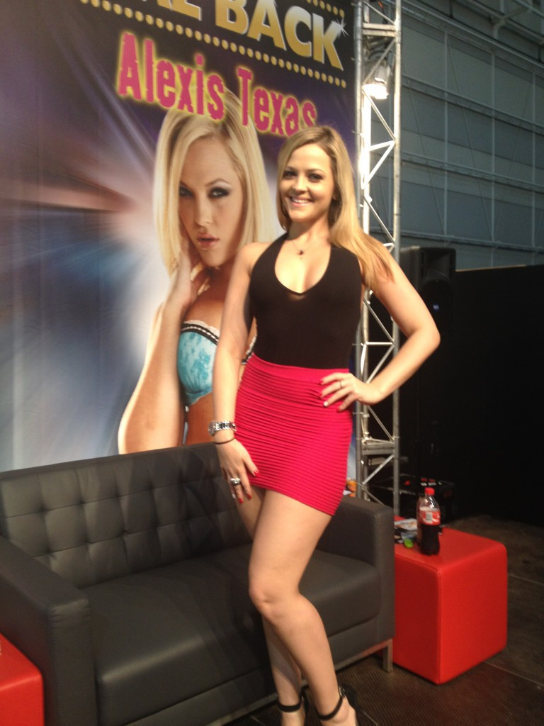 Alexis Texas photos from Twitter
