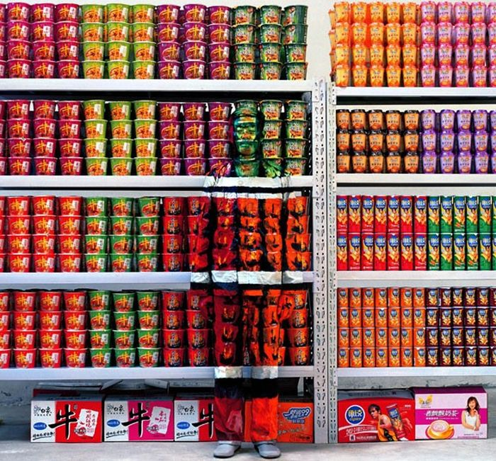 The Invisible Man Liu Bolin. Hiding in New York