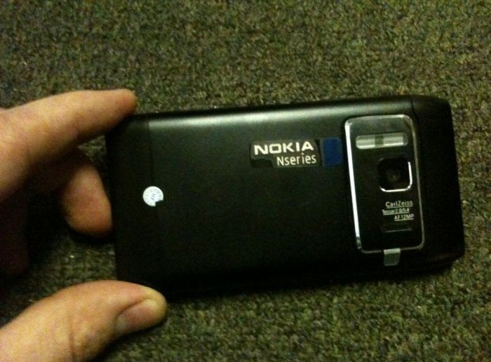 Chinese Fake Nokia N8 Phone Has a Fake HDMI Output