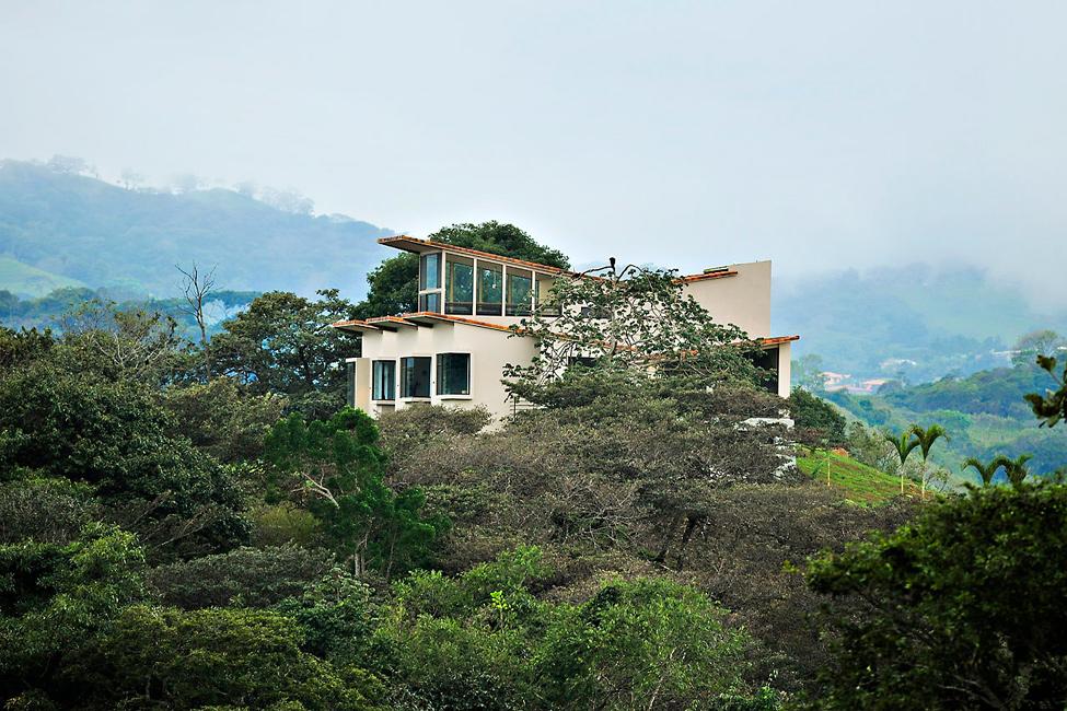 Modern residence in Costa Rica