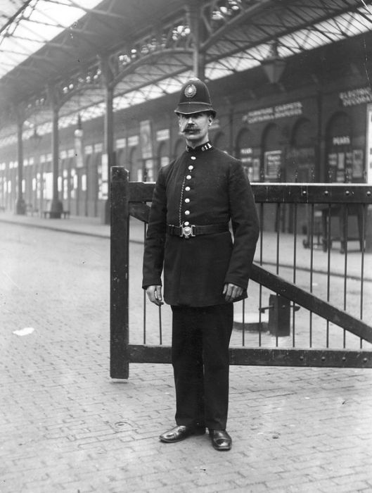 Police, 1890 - 1930, part 1930