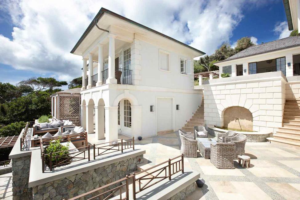 Exquisite villa on the Caribbean coast