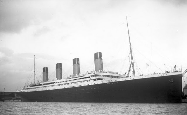 Pictures from the construction of the Titanic