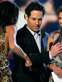 Rosario Dawson Grabs Paul Rudd's Privates