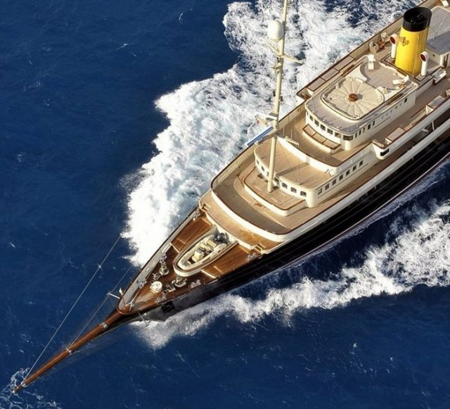 Beautiful Nero Yacht by Neptun Ozis