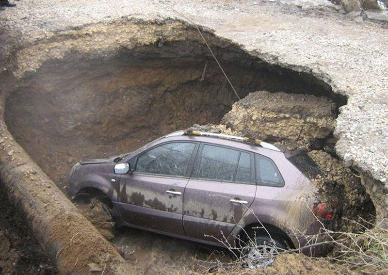 Terrific Road Trap in Russia