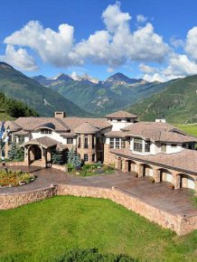 Mansion in the Mountain