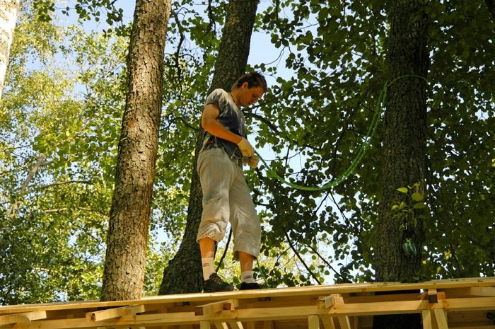 How to Build an Awesome Treehouse