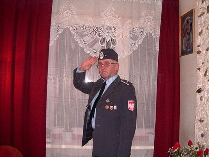 Facebook Photos of a Polish Colonel