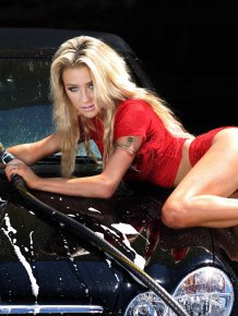 Courtney Stodden's Lingerie Car Wash