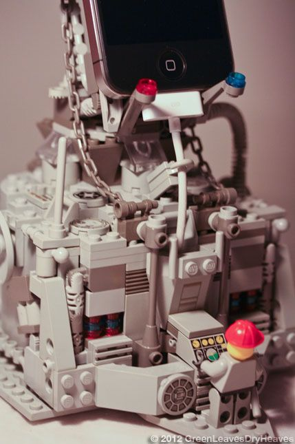 Lego iPhone Docking Rig