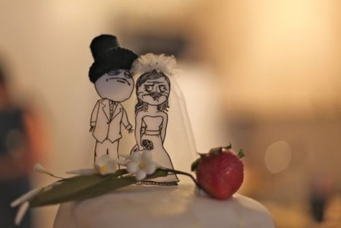 Insanely Creative Wedding Cake Toppers - 16 hilariously creative wedding cake toppers