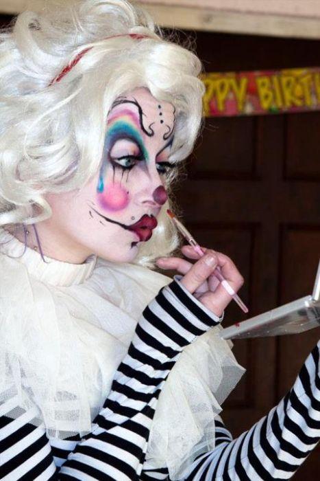 "Weird ""Glamorous Gore"" Make-Up"