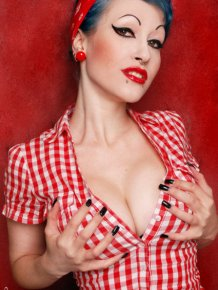 Pin-up chicks