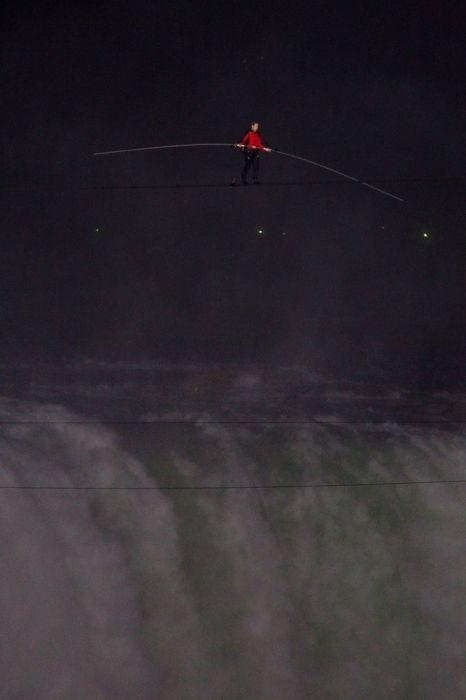 Nik Wallenda Walking Over Niagara Falls