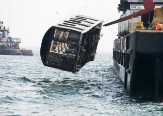 Old NYC Subway Cars Being Dumped into the Atlantic