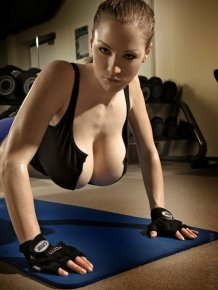 Jordan Carver in Gym