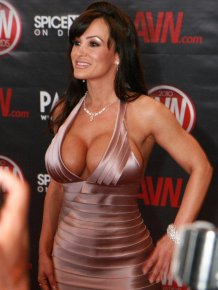 Lisa Ann photos