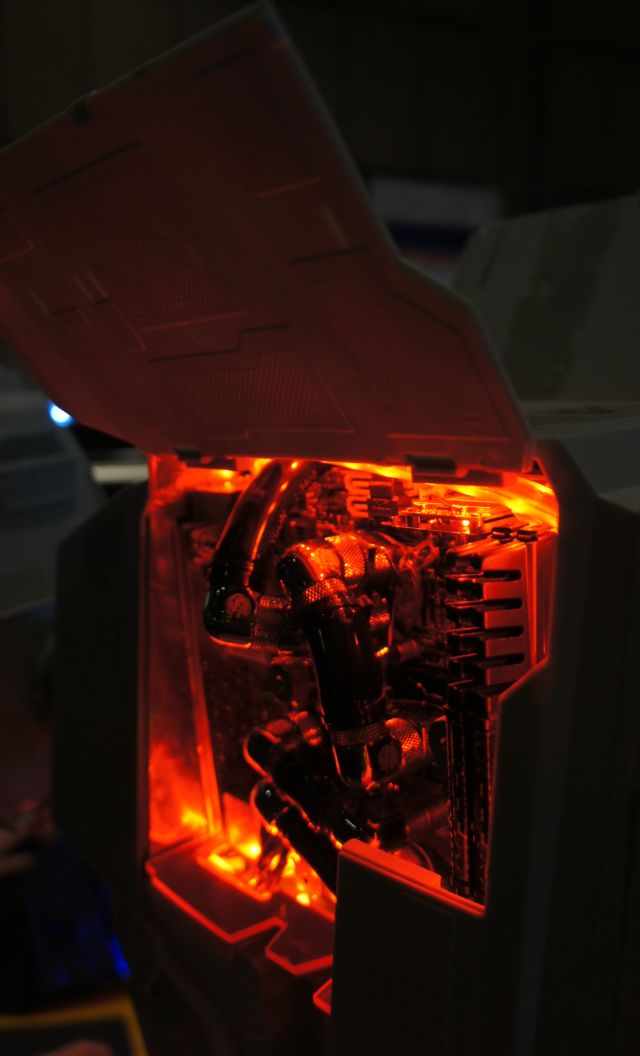 Amazing AT-AT Star Wars Case Modding