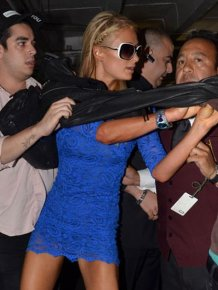 Paris Hilton Attacks Reporter and Shows Some Upskirt