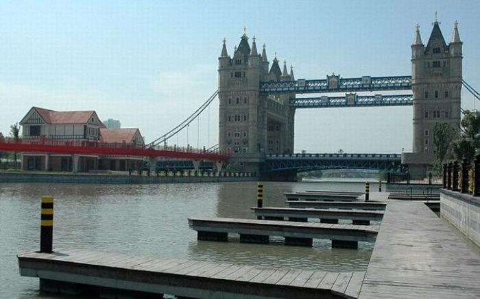 Tower Bridge in China