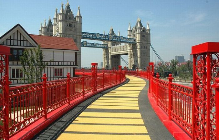 Tower Bridge in China