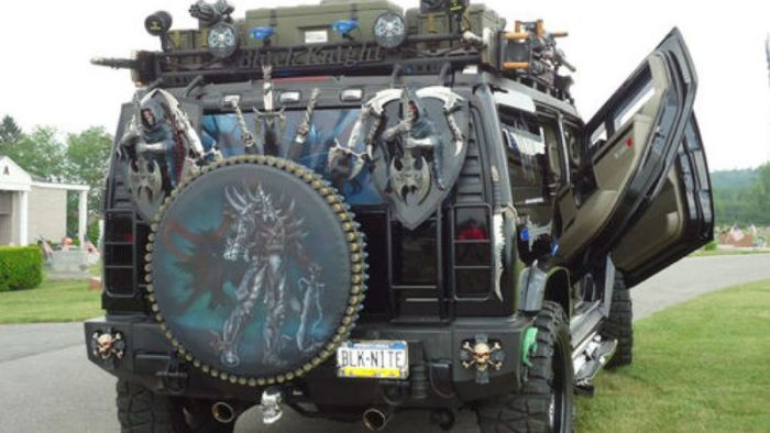Unique Hummer Is Fully Loaded, Literally