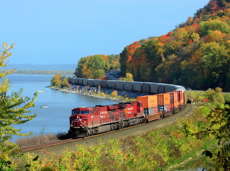 The Most Beautiful Pictures Of Canadian Railway