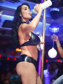 Octomom Nadya Suleman Dancing in a Florida Strip Club