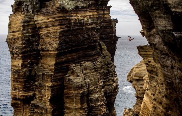 Breathtaking Cliff Diving