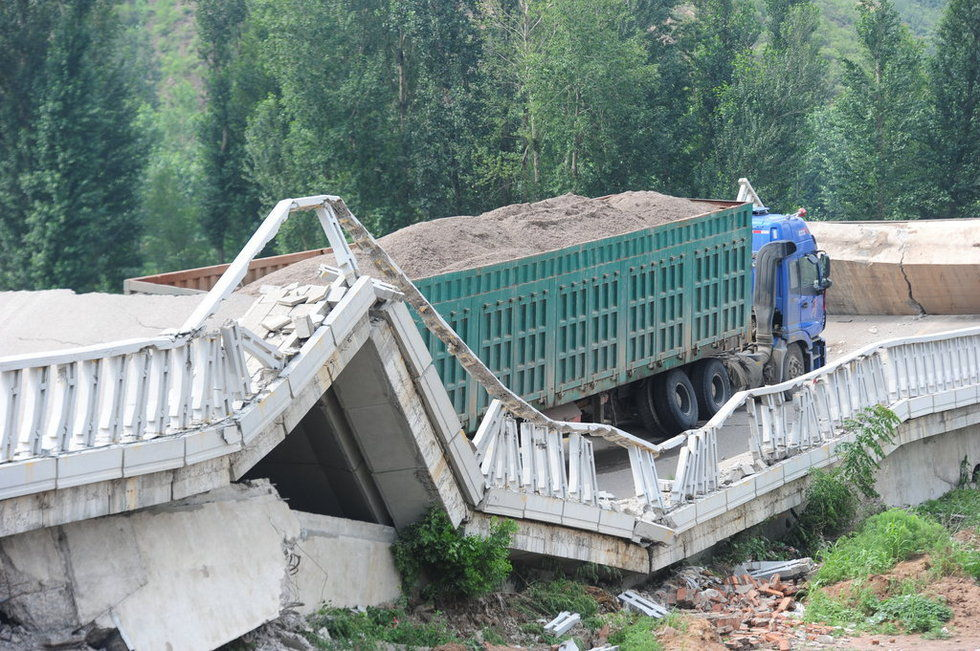 Overloaded Truck Causes Bridge Collapse in China