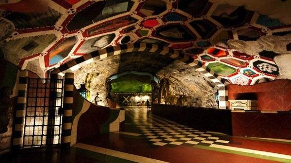 스톡홀름의 지하철 - 지하철 예술