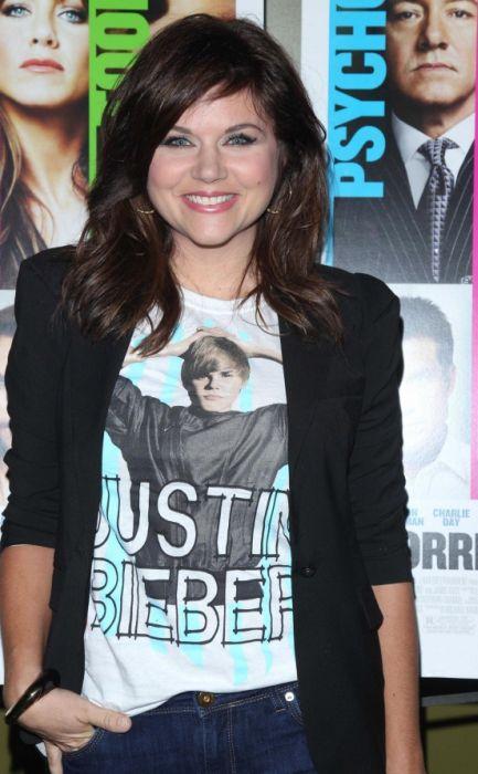 Celebrities wearing celebrity t shirts celebrities for Celebrity t shirts wholesale