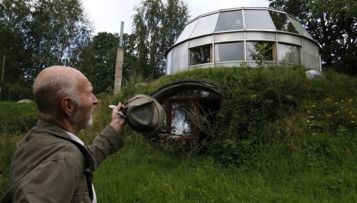 Robo-Hobbit House in Czech Republic