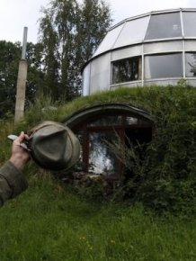 Robo-Hobbit House in Czech Republic