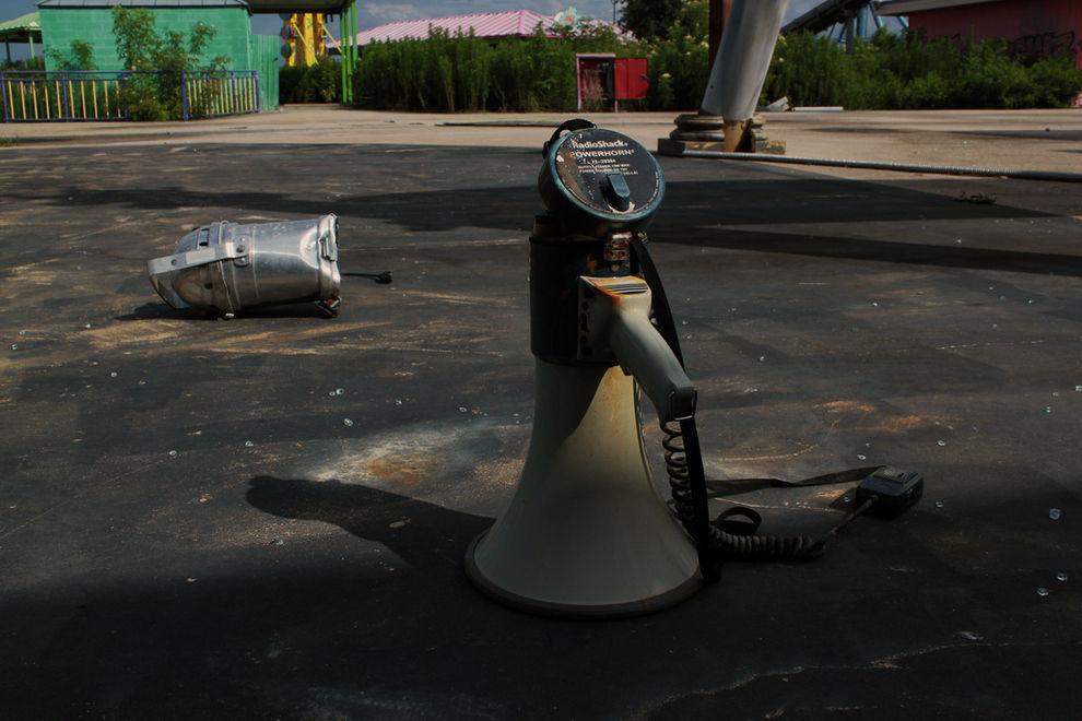 Creepy Derelict Six Flags Amusement Park