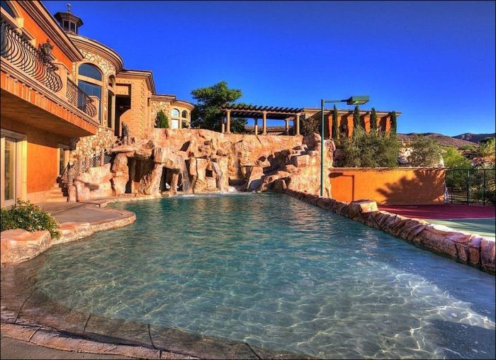 Amazing Mansion in Nevada
