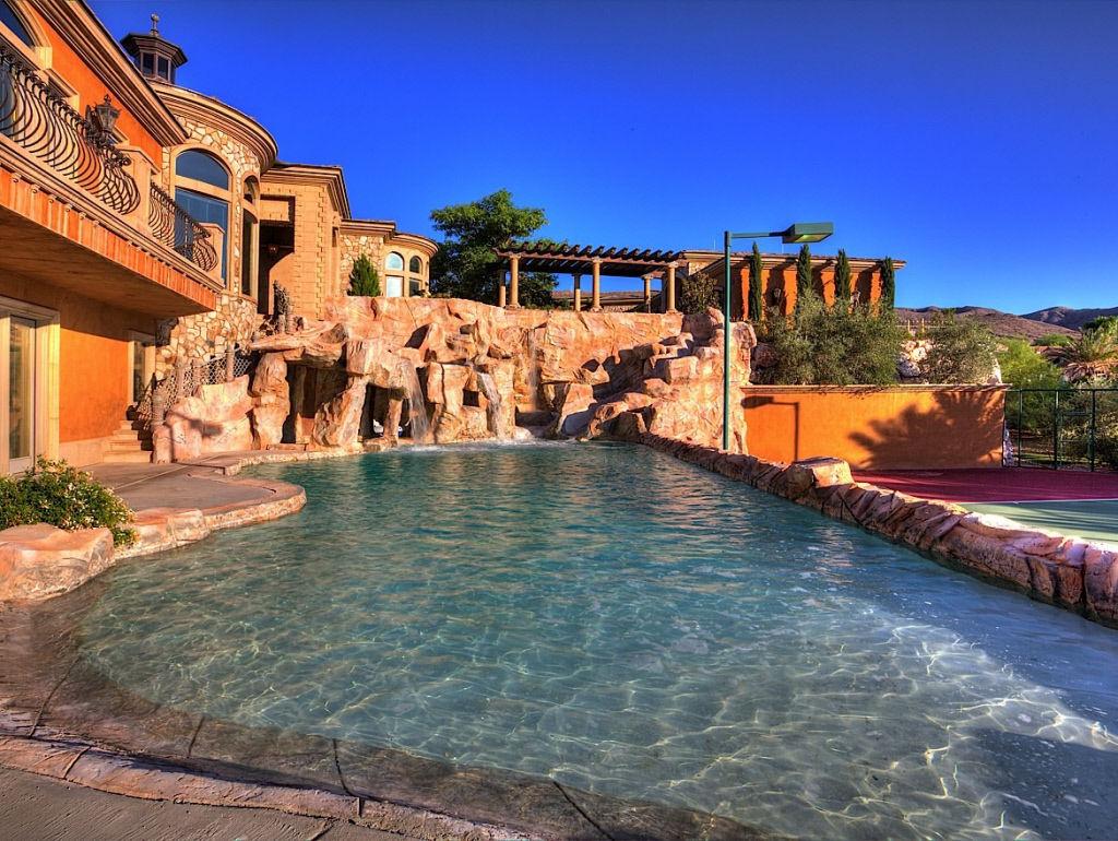 Astonishing Mansion in Nevada