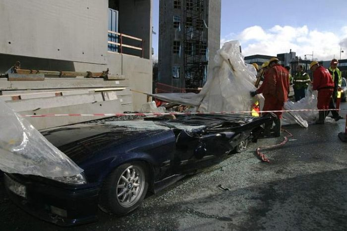 Concrete Wall Falls on a Car