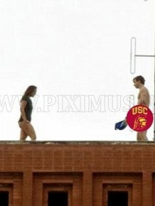 Students Were Caught Having Sex on The Roof of USC Building