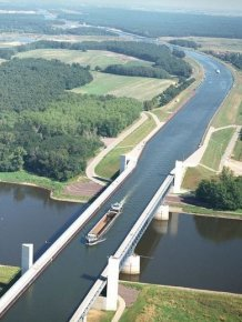 The most ambitious water bridges around the world