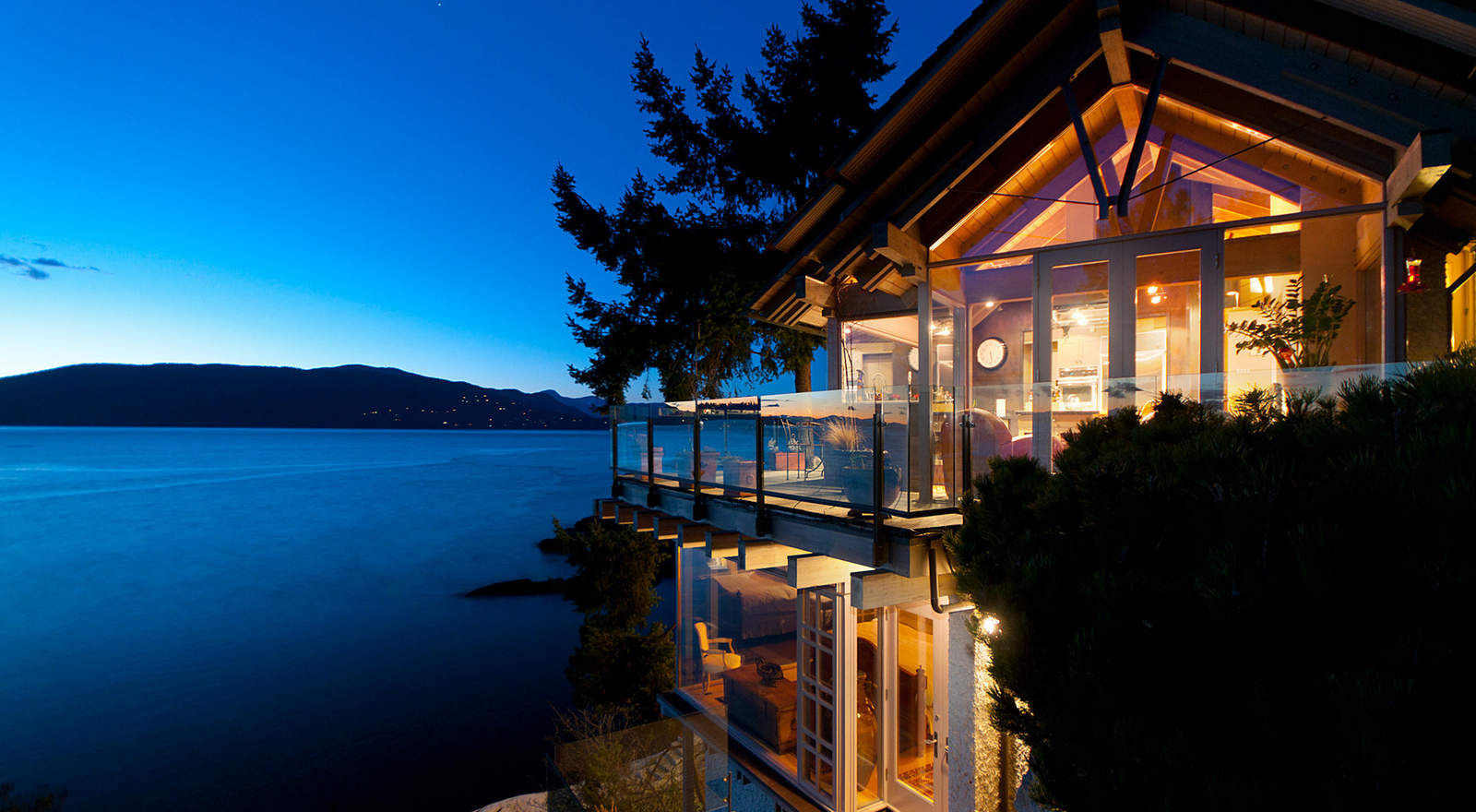 Fabulous Waterfront House In West Vancouver Others