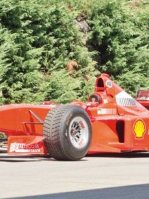 '99 Michael Schumacher's Ferrari on auction