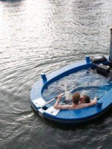 HotTug jacuzzi boat
