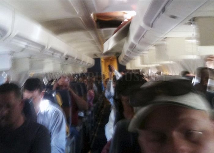 Boeing 737 Depressurized at Attitude