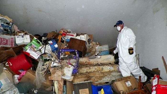 Inside the Hoarder's House