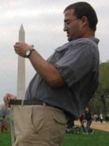Tourists Love the Washington Monument