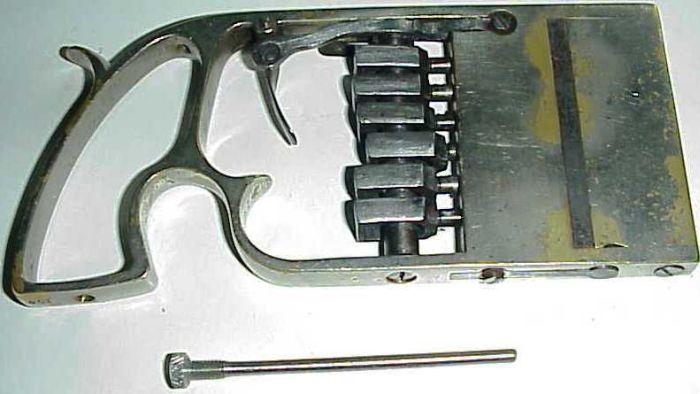 Rare Baylè 1879 Wallet / Palm Pistol
