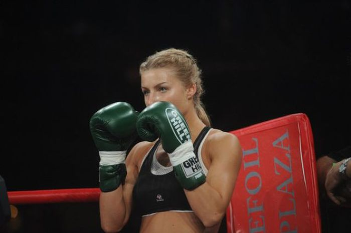 Catherine Vandareva is a Model Boxer