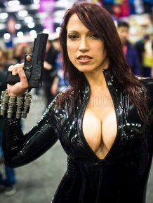 Hot Cosplay Girls at WonderCon